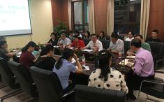 重庆大学附属肿瘤医院院长吴永忠在精准医学中心召开院长现场办公会