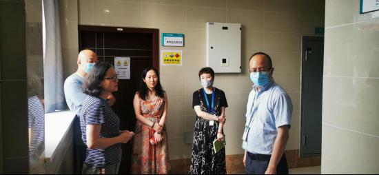 科研外事科牵头开展肿瘤学实验室实验操作台问题调研