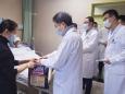 岁寒情系病患  暖心春节慰问——胸部肿瘤中心慰问春节住院患者